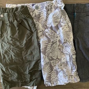 Back-To-School Pack: 3 pairs of Cargo Shorts sz M